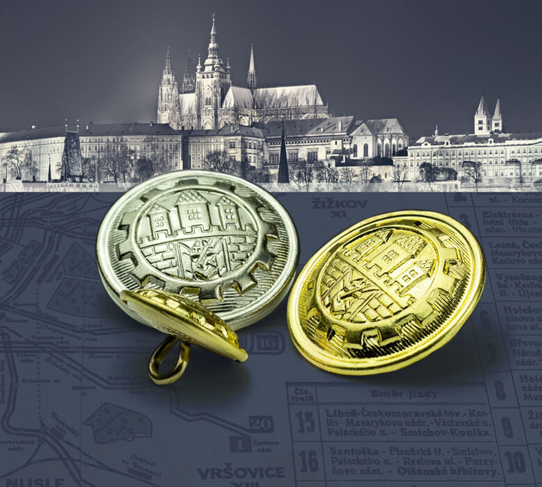 Historické kovové knoflíky Dopravního podniku hlavního města Prahy